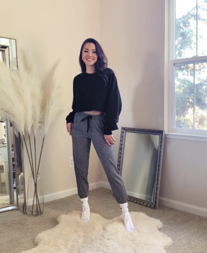 heather gray joggers, zella joggers, alo double take pullover, alo yoga, nike socks, converse, casual, outfit, athleisure